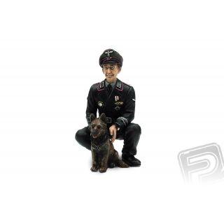1/16 plukovník Otto Paetsch se psem