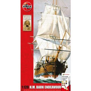 Gift Set lodě A50047 - Endeavour Bark and Captain Cook 250th anniversary (1:120)