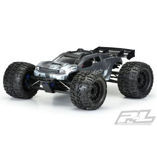 BRUTE čirá karoserie, bílá, předříznutá pro TRX E-REVO 2.0