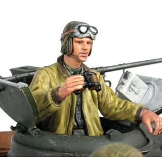 1/16 figurka stojícího velitele tanku US z 2 sv. války, ručně malovaný