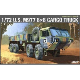Model Kit military 13412 - M977 8X8 OSHKOSH (1:72)