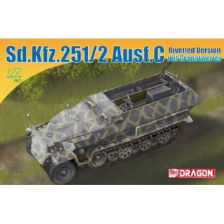 Model Kit military 7308 - Sd.Kfz.251/2 Ausf.C Rivetted Version mit Granatwerfer (1:72)