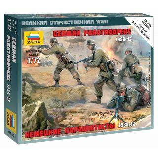 Wargames (WWII) figurky 6136 - German Paratroops (1:72)