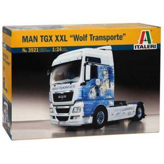"""Model Kit truck 3921 - MAN TGX XXL """"WOLF TRANSPORTE"""" (1:24)"""