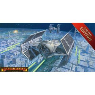 Plastic ModelKit SW Limited Edition 06881 - Darth Vader's TIE Fighter (master series) (1:72)