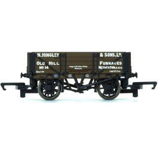 Vagón nákladní HORNBY R6745 - 4 Plank Wagon 'Hingley & Sons Ltd'