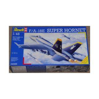 REVELL 04585 F/A-18E Super Hornet 1:48 - rozbaleno