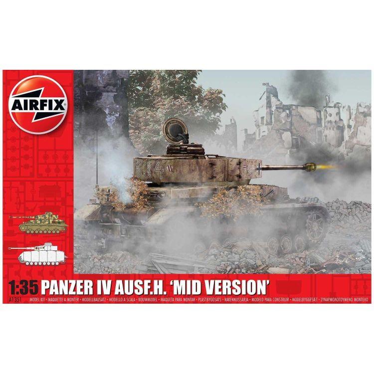 Classic Kit tank A1351 - Panzer IV Ausf.H, Mid Version (1:35)