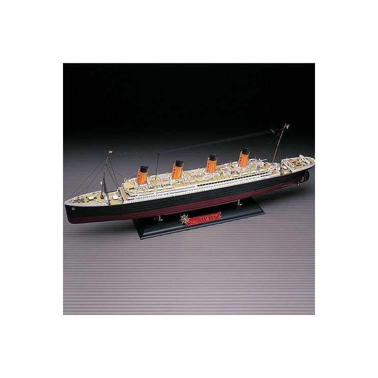 Model Kit loď 14215 - The White Star liner TITANIC MCP (1:400)