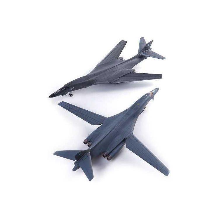 "Model Kit letadlo 12620 - USAF B-1B 34th BS ""Thunderbirds"" MCP (1:144)"