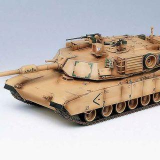 """Model Kit tank 13202 - M1A1 ABRAMS """"IRAQ 2003"""" (1:35)"""