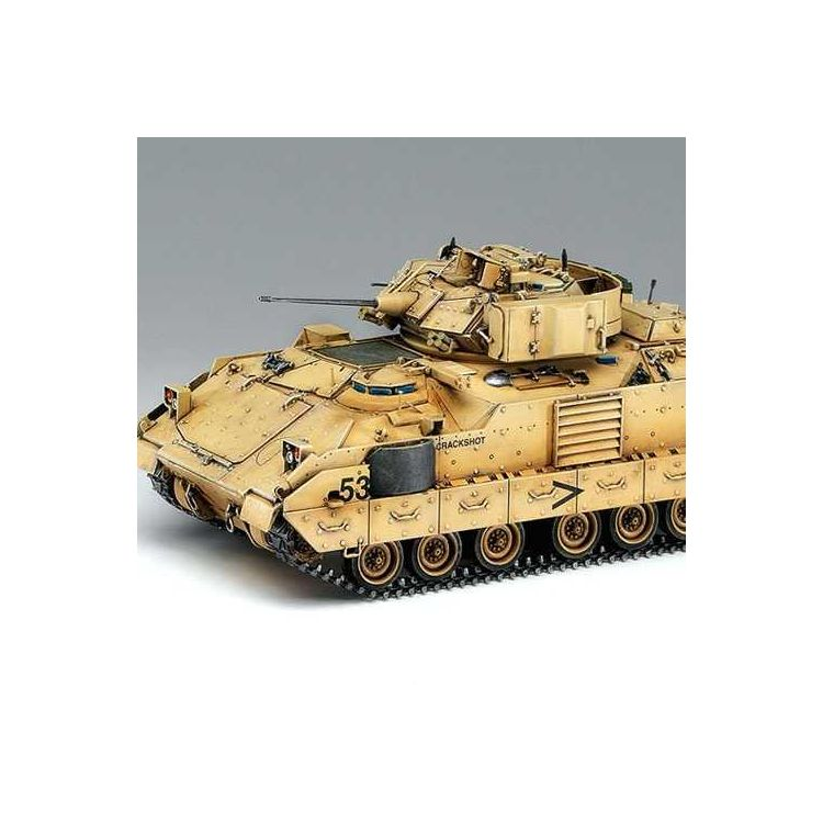 Model Kit tank 13205 - M2A2 BRADLY OIF (1:35)