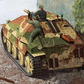 "Model Kit military 13230 - Jagdpanzer 38(t) HETZER ""LATE VERSION"" (1:35)"