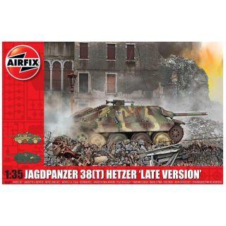 "Classic Kit tank A1353 - JagdPanzer 38 tonne Hetzer ""Late Version"" (1:35)"